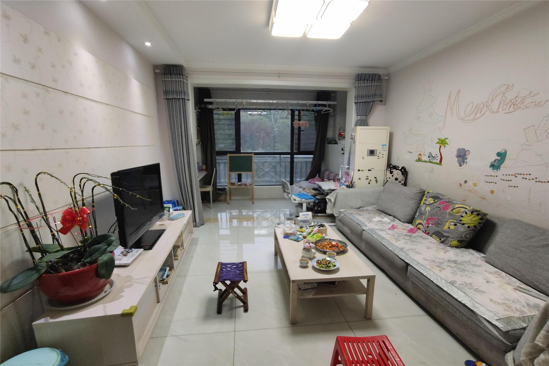 观景房 景观别致 位置安静 居住舒适 精装两室