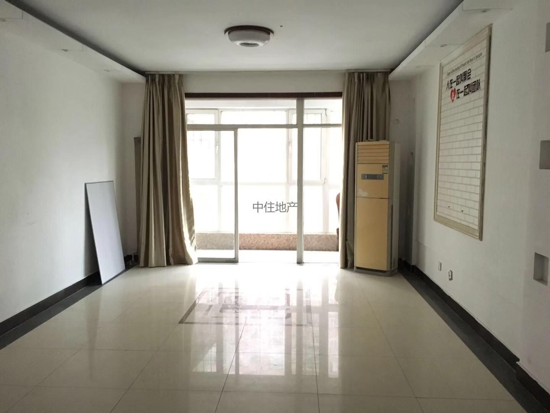 新世界 大三室 精装修 双气 电梯 中间楼层 采光通风好