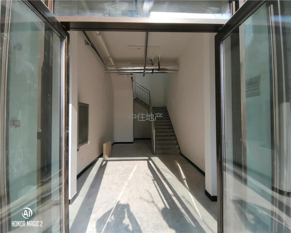 地鐵口新東站商圈現鋪一手房單價15000