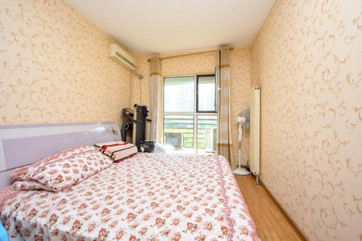 阳光100小区三期,正规三居室,采光好