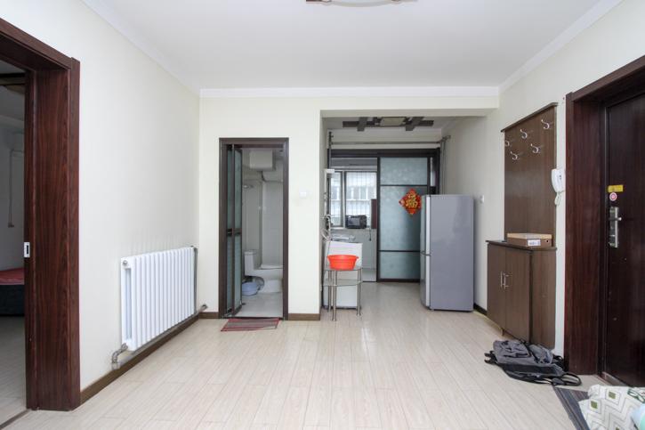 林业厅 房龄新 户型好 两室朝阳 非顶 首付无要求 随时看