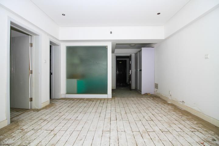 盛世花城,经典一室两厅,双气三线齐全,可落户。