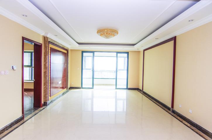 优质好房  恒大翡翠华庭新出房源,小区环境优美,周边配套全