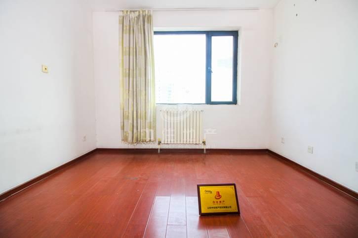 新生活家园 万达旁 证满两年 精装三居 业主急售