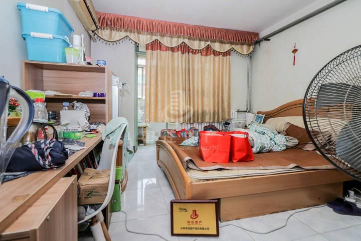 济钢新村西区1室公摊小,精装修,拎包入住