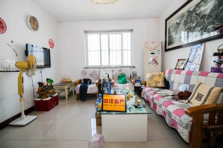 新徐印象,精装修两居室,南北通透户型,看房方便。