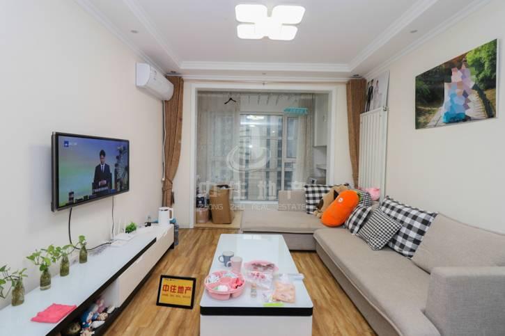天齐奥东花园精装两居室、采光无遮挡,南北通透、着急卖